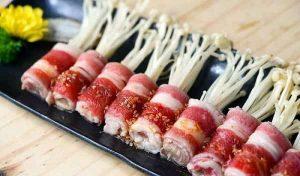 Thịt bò mỹ cuộn nấm kim chi